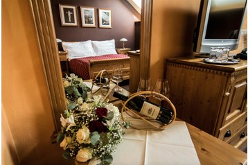Slovensko Hotel Krakovany, Exteriér
