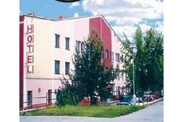 Slovacia Penzión Topoľčany, Exteriorul