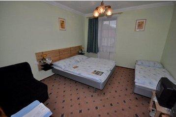 Česko Hotel Bouzov, Exteriér