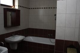 Fürdőszoba alsó szinten